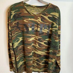 Camo XL yup long sleeve tee green brown Large